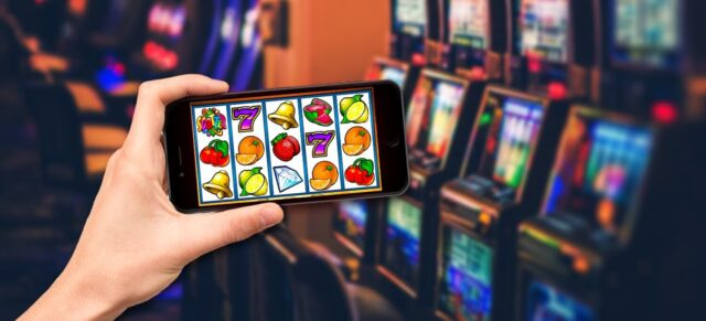 Play Online Slots for Free Before Starting to Spend Money on Slots Machines